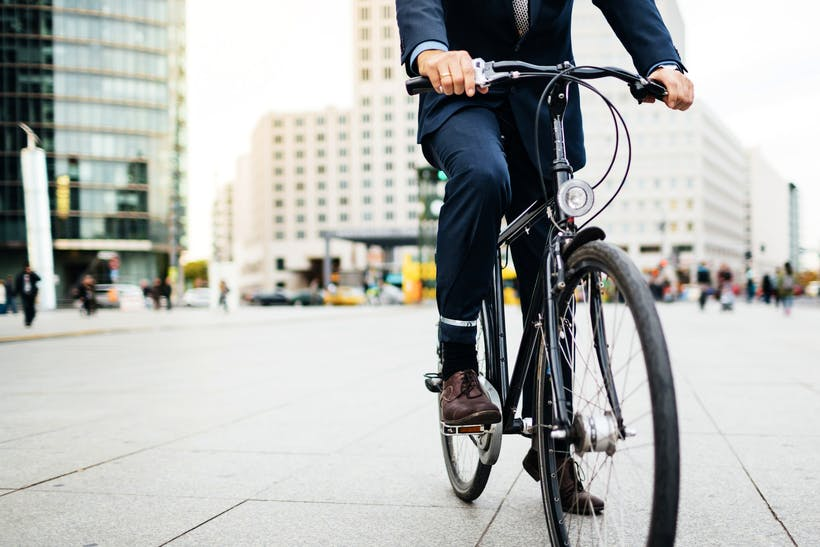 Cycling decreases the risk of death
