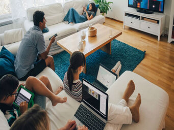 Television viewing increases chances of binge eating and late-night snacking